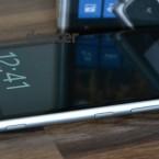 Nokia Lumia 925 right side