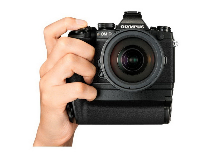 Olympus OM-D E-M1 with grip 4