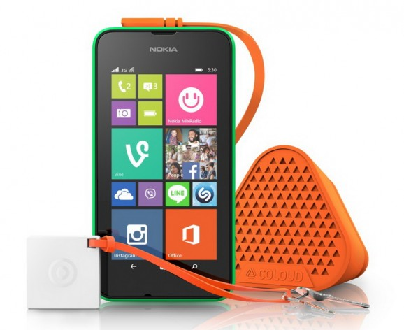 Microsoft Lumia 530 with accesories